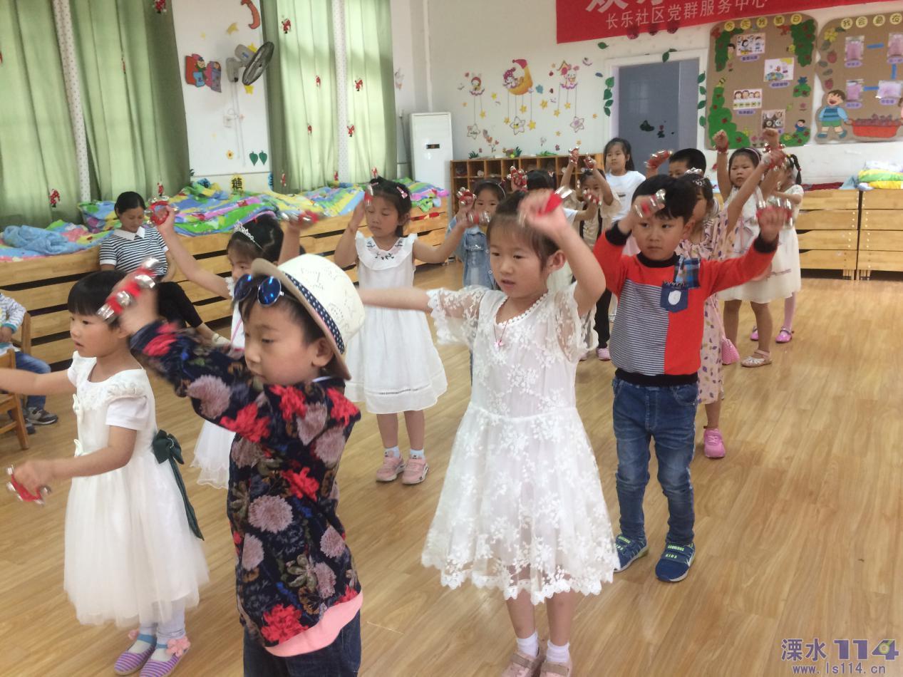 孩子们活泼优美,动感时尚的舞姿尽情展示了孩子们天真,可爱,纯真的天