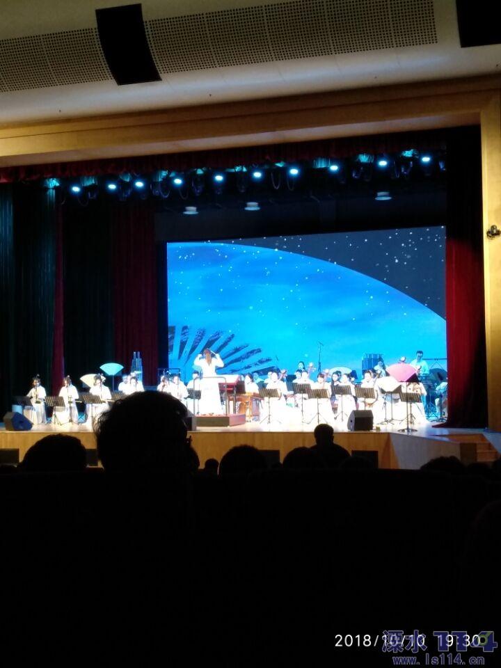 南京民族乐团的艺术家们阵容强大演出专注.jpg