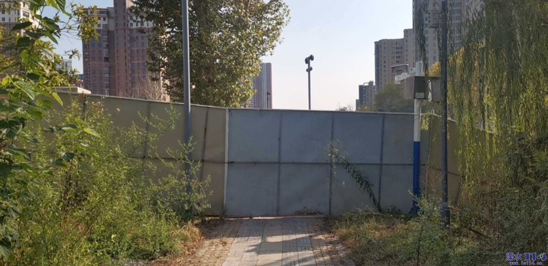 宝成名苑小公园永昌桥这边的铁门为何还不开